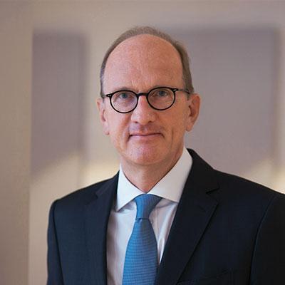 Dr. Stefan Gros
